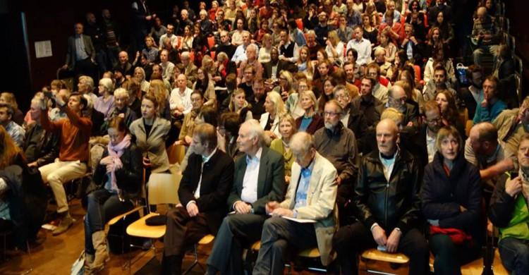 Large turnout and brilliant lecture by Giulio Tononi in Oslo April 4 2014.